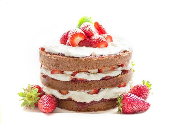 【ファミマ】日本コムサのスティックケーキ3種類が激ウマ!味や料金は?
